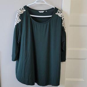 Reitmans green long sleeve t-shirt
